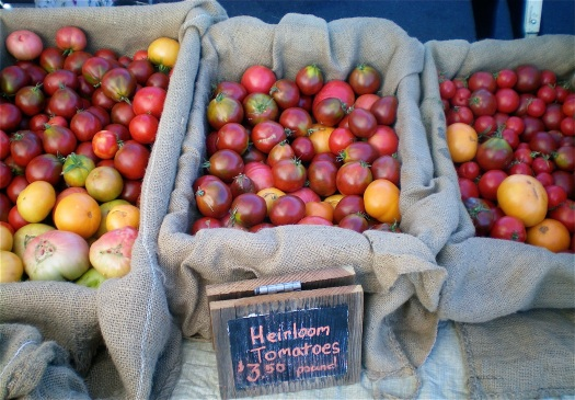 Heirloom tomatoes at the farmers' market