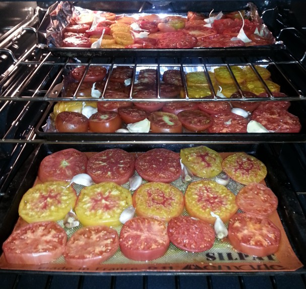 Tomatoes and garlic roasting